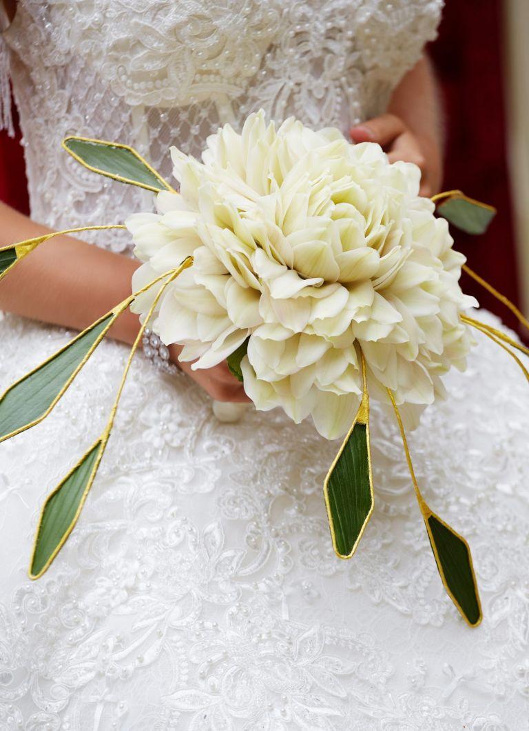 bride bouquet glamelia